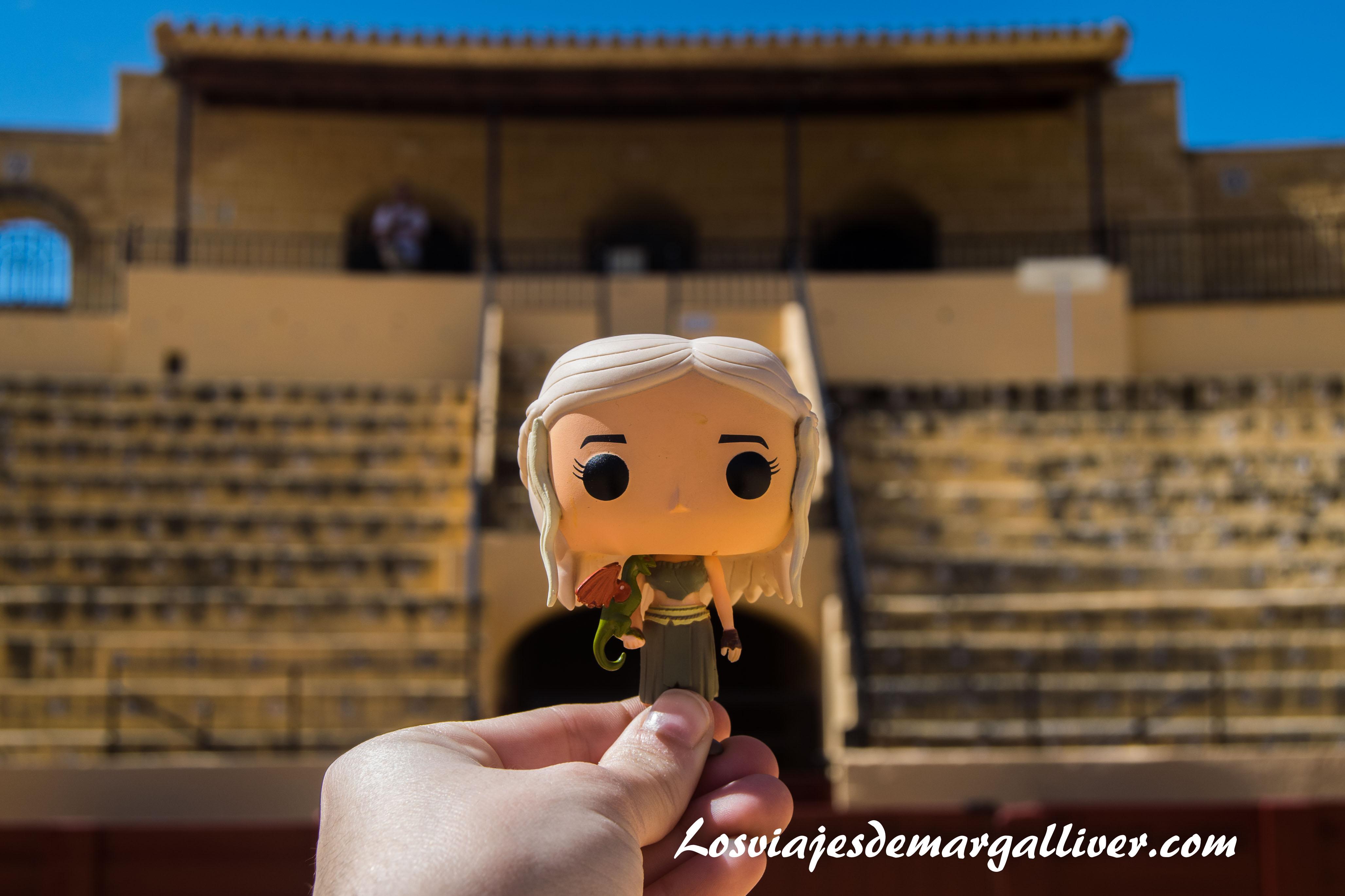 Daenerys en la plaza de toros de Osuna en la ruta de juego de tronos - Los viajes de Margalliver